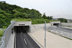 小塚山トンネル