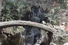 里見公園:滝
