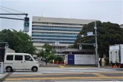 511-慶應義塾大学病院正門