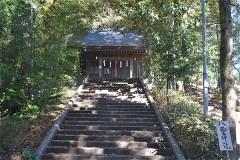 左が八雲神社